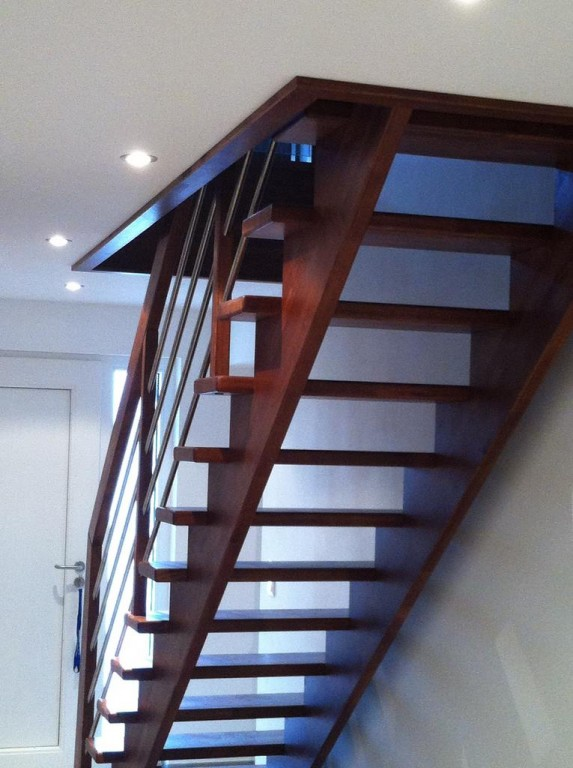 panneaux contre marche escalier bois duppigheim
